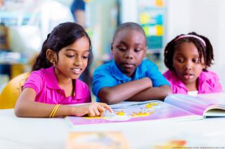 Kinderen aan het lezen